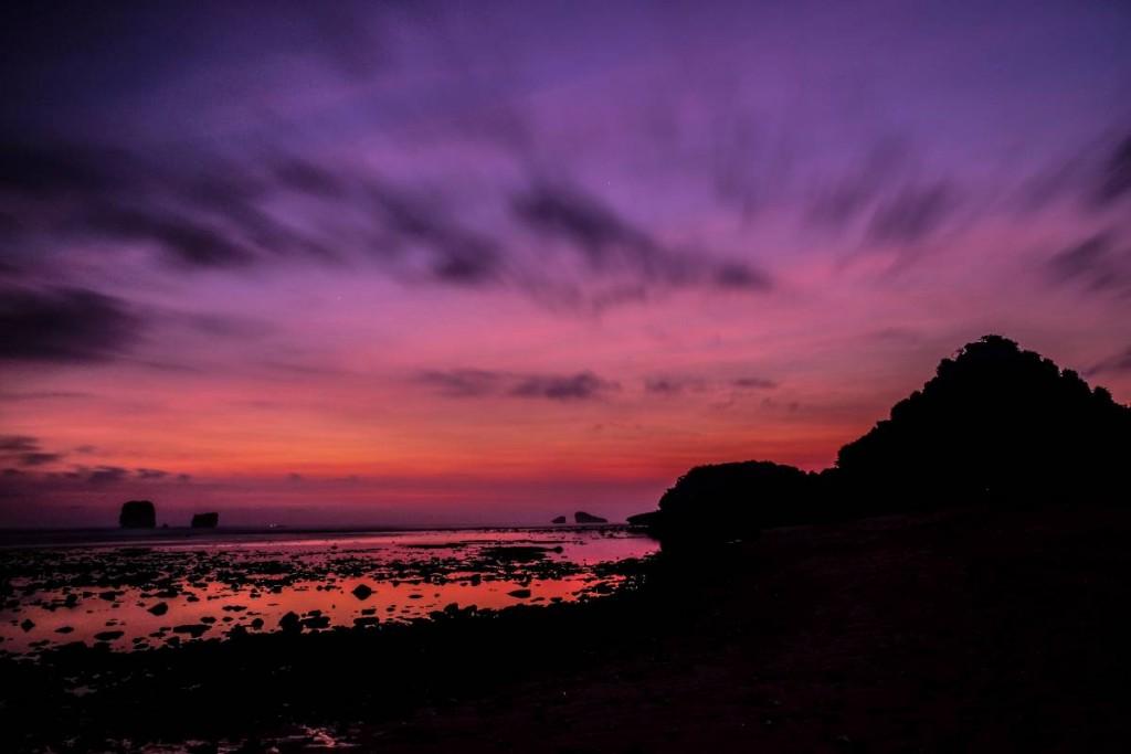 Sunset Pantai Goa Cina
